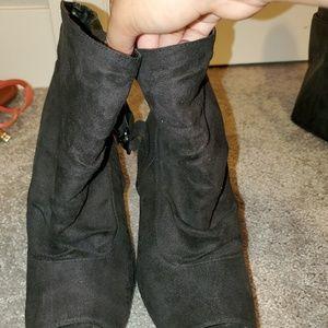 Black high heels !